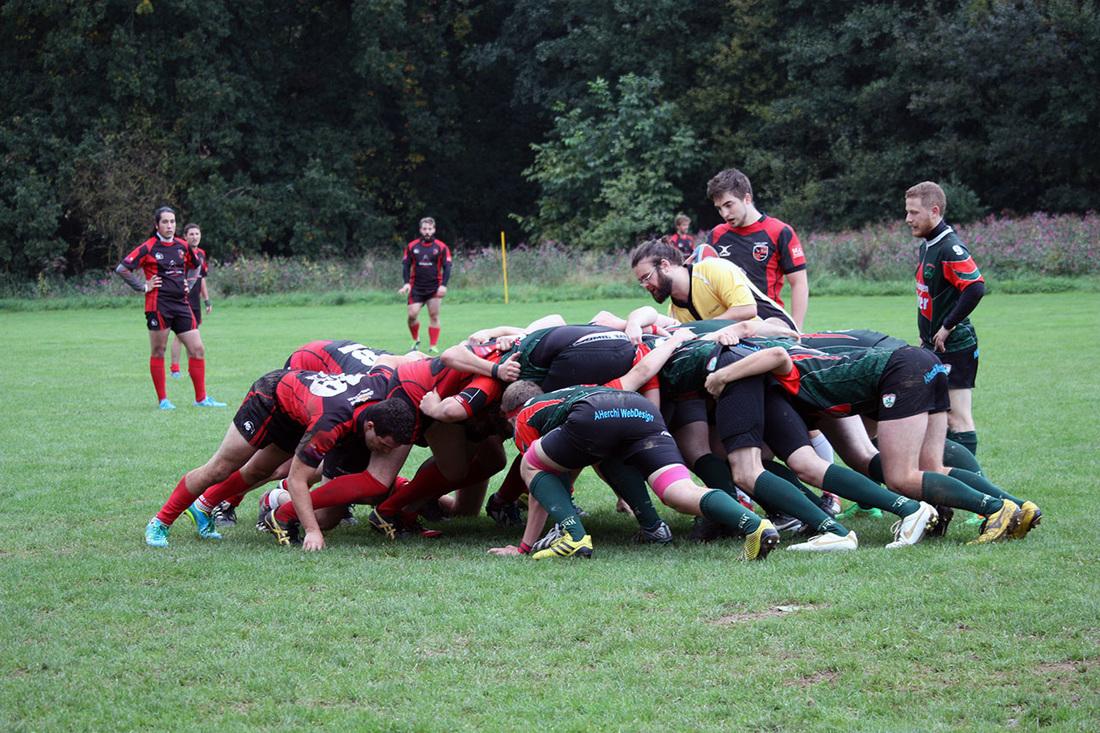 Die Herren der Rugby-Union Marburg gewinnen das Saisonauftaktspiel gegen RC Worms knapp mit 13:10