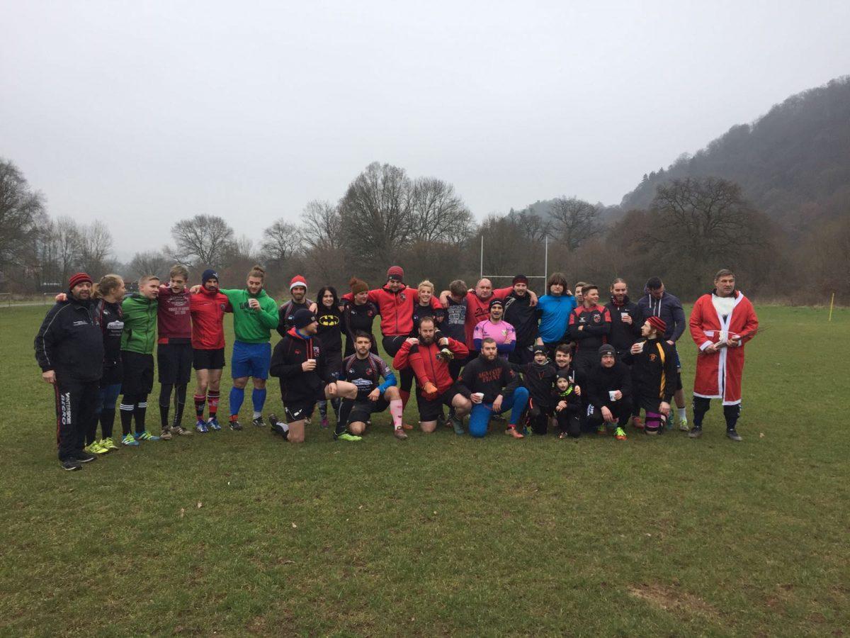 Die Rugby Union wünscht Frohe Weihnachten und einen guten Rutsch ins Jahr 2017!